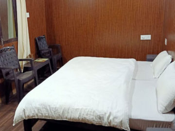 superior-room-kedar-resorts-guptkashi.